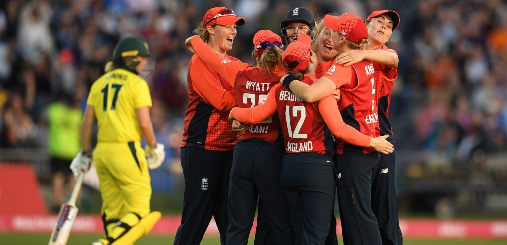 England team celebrating a wicket. ©Getty Images