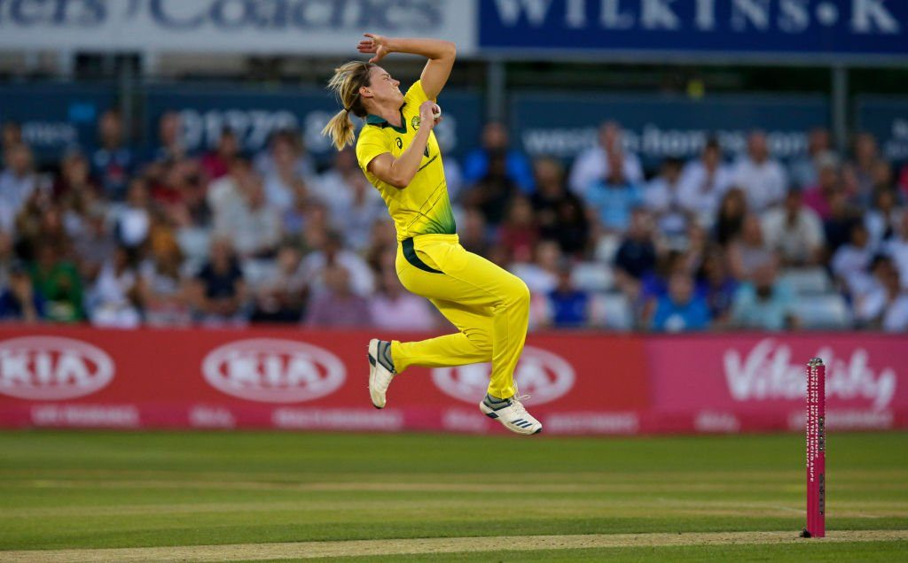 Ellyse Perry in action. ©Getty Images