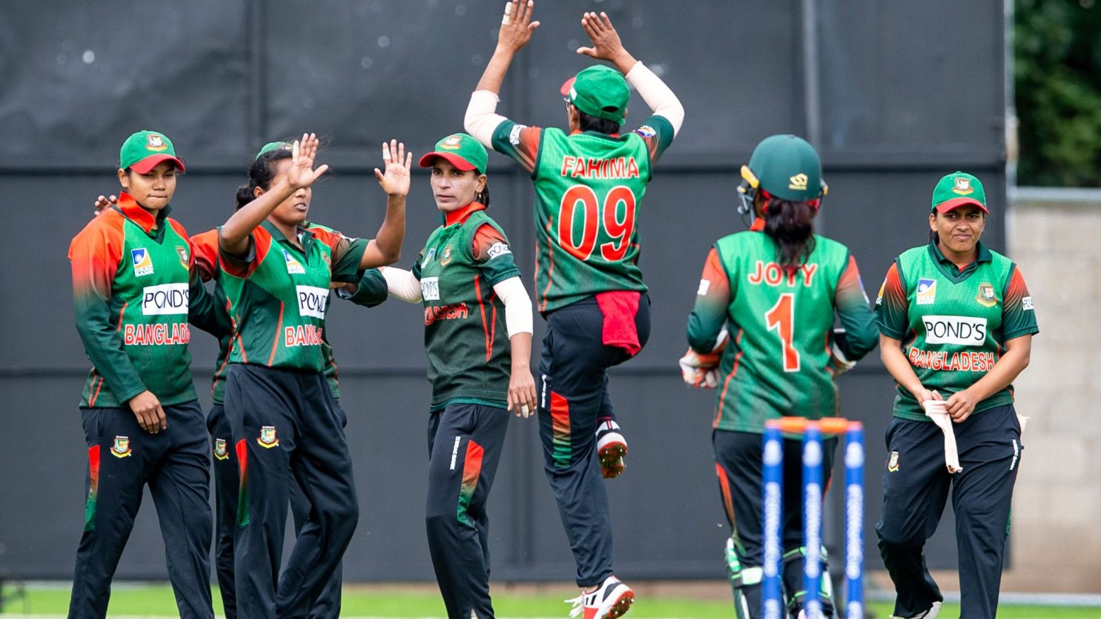 Bangladesh look set to seal their place in the top two. © ICC