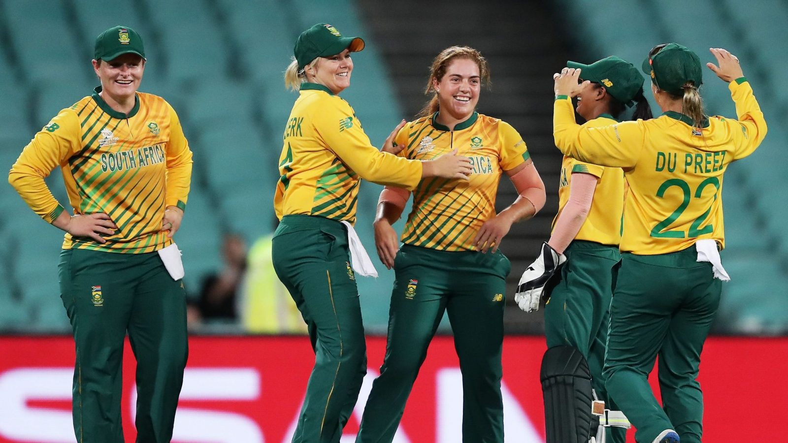 Nadine de Klerk bowled admirably, picking up three wickets. © ICC