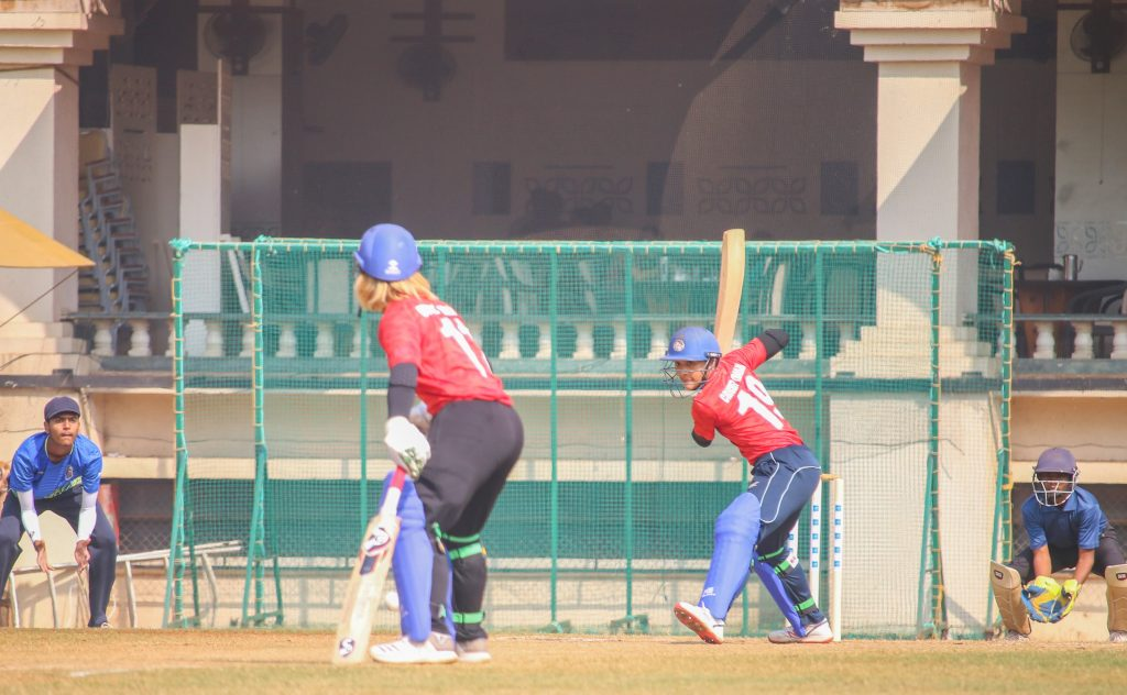 Nattakan Chantham prepares to carve a delivery through the off-side. © Women's CricZone