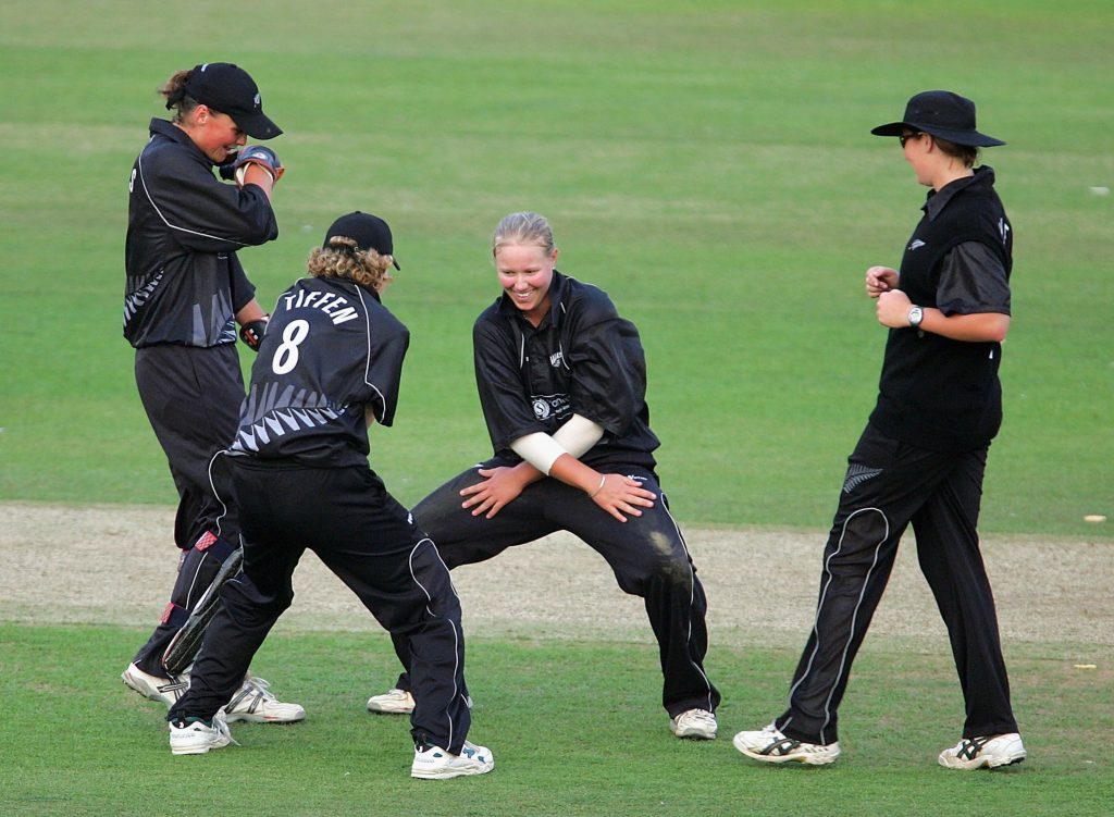 New Zealand celebrate a wicket in the first ever T20I. © Getty Images