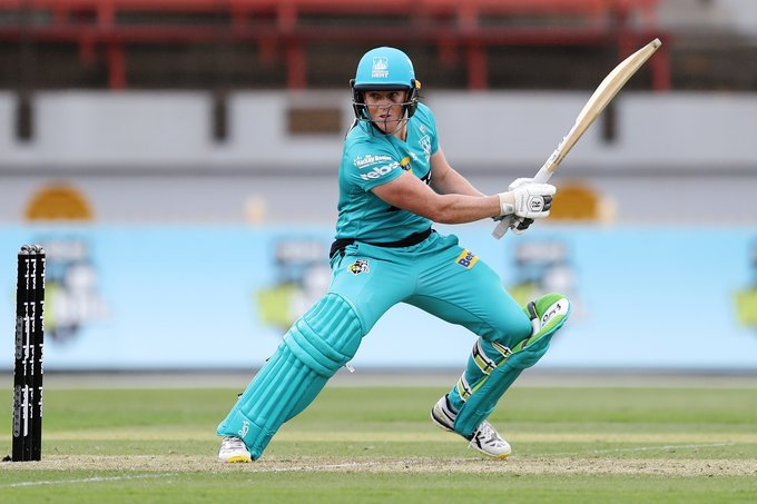 Grace Harris continued her good form for Brisbane Heat with a swashbuckling half-century. © Getty Images